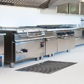 Manutenção em fogão industrial